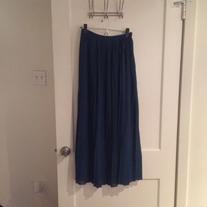 Urban Outfitters / Sparkle & Fade Pleated Maxi